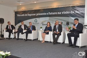 """13/04/2018 – Palestra """"Mercado de seguros: presente e futuro na visão das Susep""""– Joaquim Mendanha de Ataídes"""