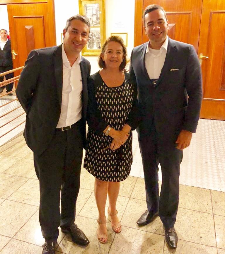 Sergio Prates (vice-presidente do CSP-MG), Maria Filomena Branquinho (presidente do Sincor-MG) e Antônio Edmir Ribeiro (diretor de Seguros do Clube)