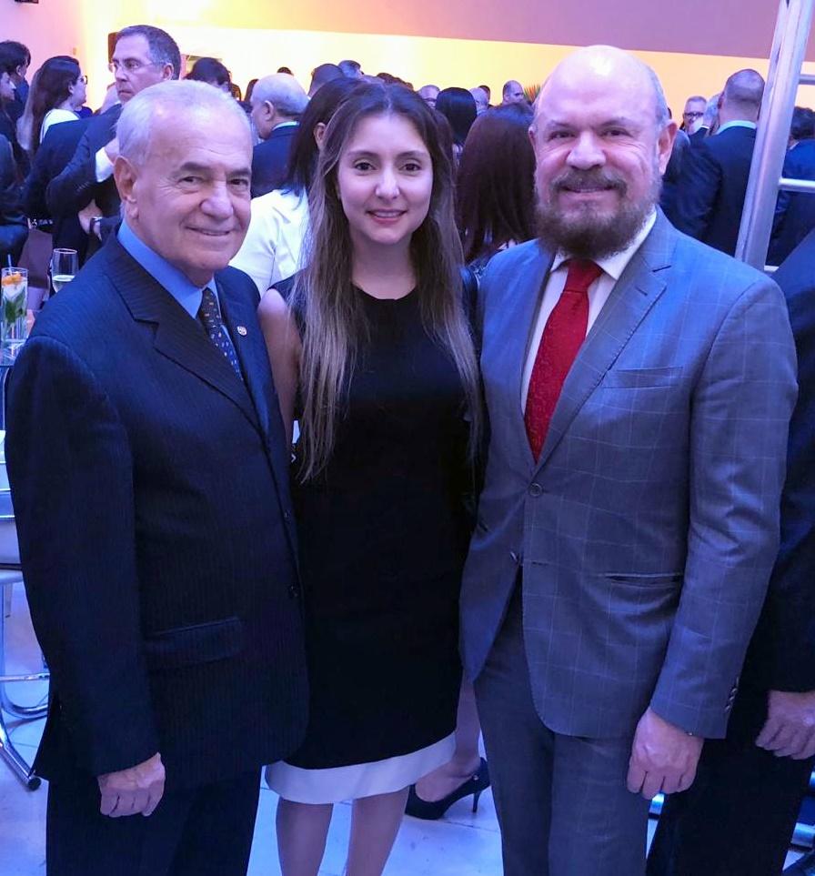 Osmar Bertacini (presidente da APTS), Fabiana Resende e Hélio Loreno