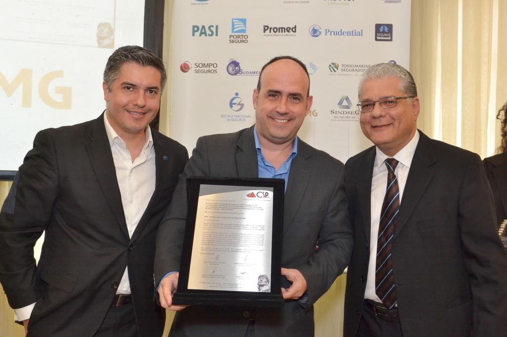 Leandro Godinho (presidente da Comissão Fiscal), João Paulo Mello e Gustavo Bentes (vice-presidente do Sincor-MG)