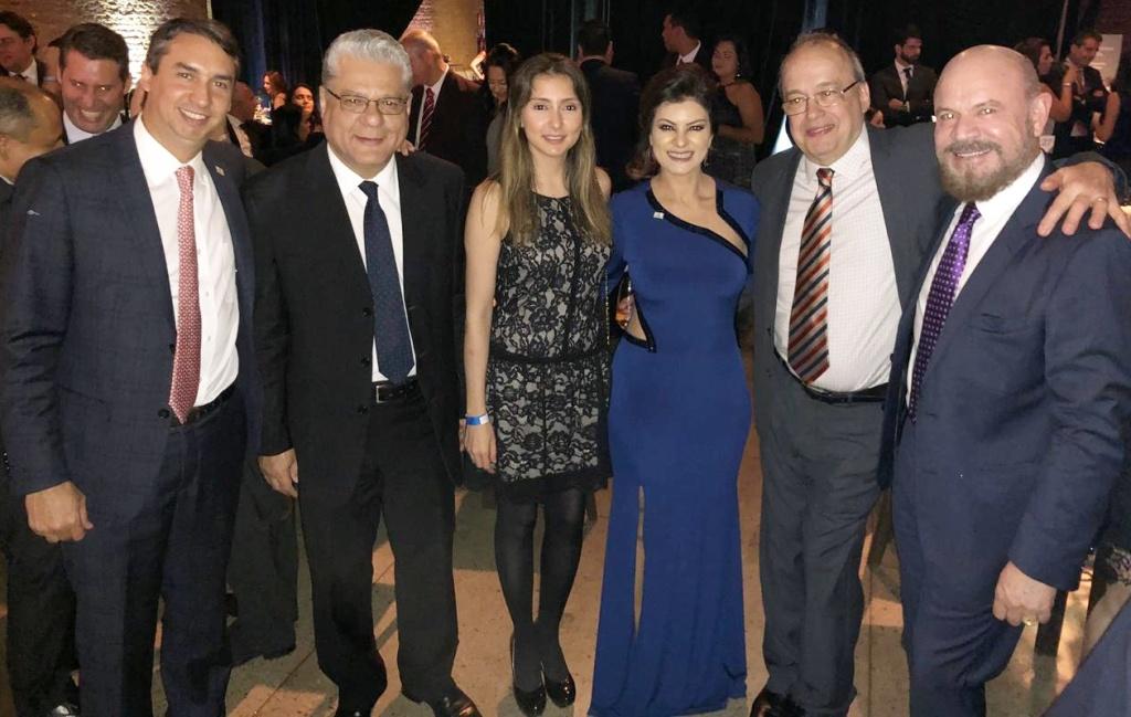 Sergio Prates (vice-pres. do Clube), João Paulo (presidente), Fabiana Resende (dir. Social), Juliana Queiroz (assessora da Diretoria), Vicente Velásquez (corretor de seguros) e o conselheiro Hélio Loreno