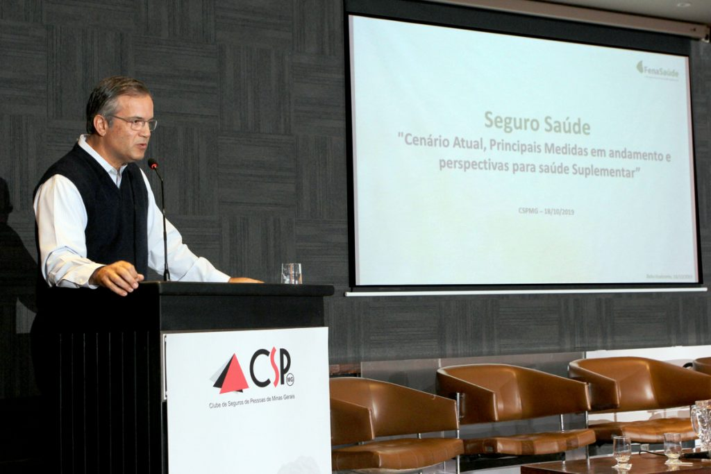 Presidente da FenaSaúde discute sustentabilidade do setor em Seminário do CSP-MG